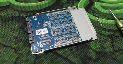 C Crucial MX500.jpg